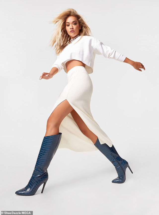 Rita Ora khoe vòng một bốc lửa - 7