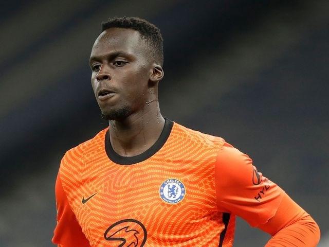 Chelsea gặp khó trong việc tìm kiếm chiến thắng  trên sân nhà - 2
