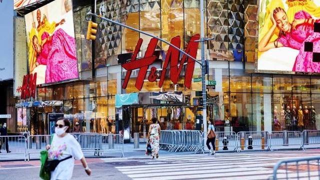 HM đóng cửa 250 cửa hàng, chuyển sang bán hàng online - 1