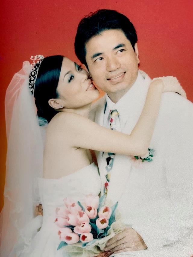 Ca sĩ Mỹ Lệ chia sẻ loạt ảnh cưới 16 năm trước  - 1