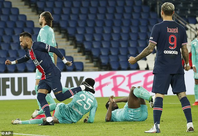 Neymar và Mbappe thăng hoa, PSG giành chiến thắng 6-1 - 2