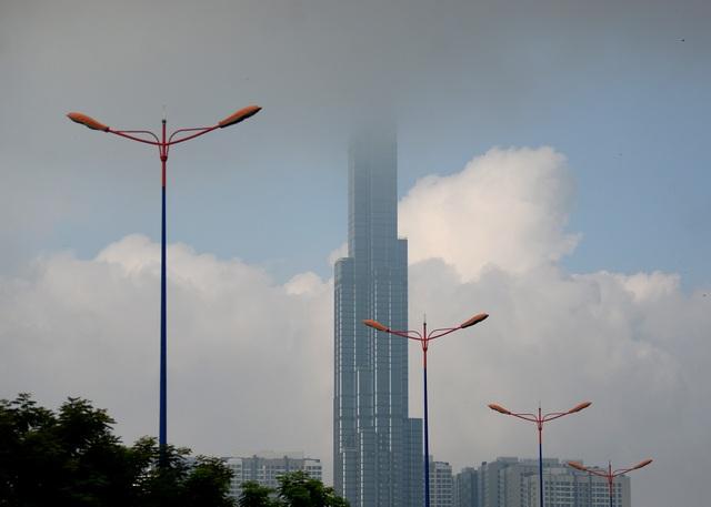 Sương mù ở TPHCM.jpg