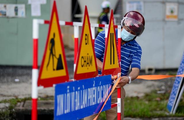 Cấm xe lên cầu vượt Nguyễn Hữu Cảnh.jpg