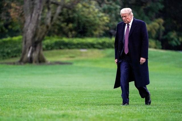 """Ông Trump di chuyển """"như con thoi"""" trước khi mắc Covid-19 - 16"""