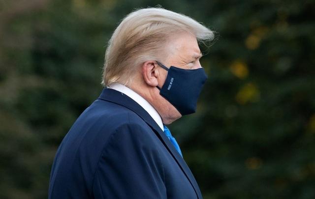 Ông Trump rời Nhà Trắng, tạm chuyển tổng hành dinh đến bệnh viện - 5