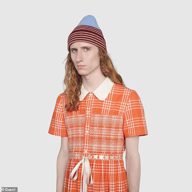 Váy áo thắt nơ cho... nam giới có giá hơn 50 triệu đồng - 3