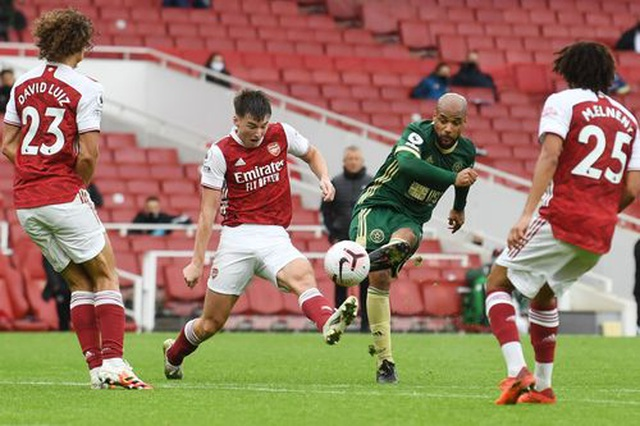 Vượt qua Sheffield United, Arsenal chen chân vào top 4 - 2