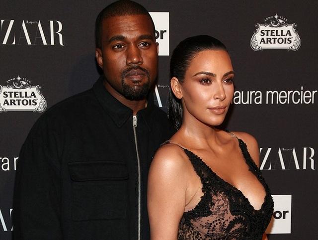 Fans mừng vui khi thấy Kim Kardashian chia sẻ ảnh chụp cùng chồng - 6