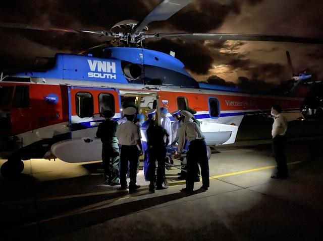 Bay cấp cứu thành công bệnh nhân bị nạn trên Quần đảo Trường sa - 1