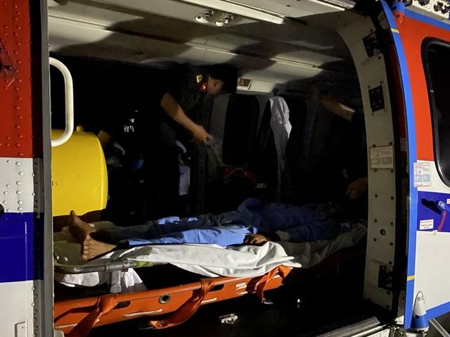 Bay cấp cứu thành công bệnh nhân bị nạn trên Quần đảo Trường sa - 2