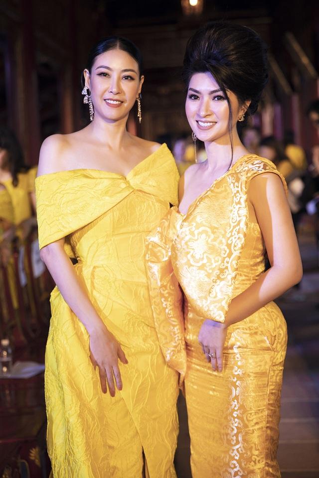Hoa hậu Hà Kiều Anh đụng độ Hoa hậu Trần Tiểu Vy - 16