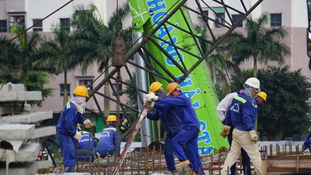Hà Nội: Khoảng 165.000 người lao động bị ảnh hưởng bởi dịch Covid-19 - 1