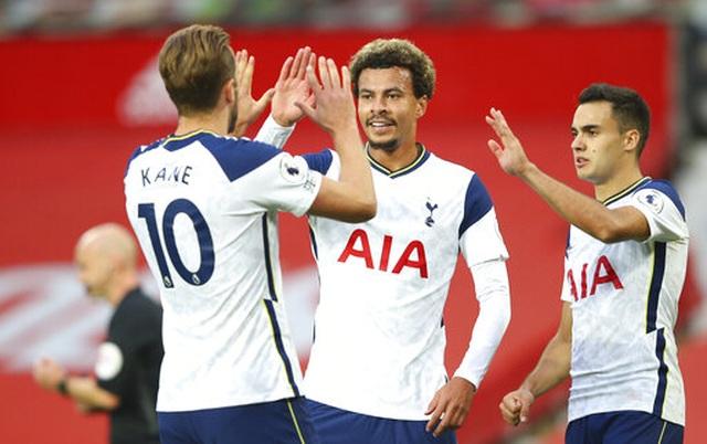 Những khoảnh khắc Man Utd bị Tottenham chà đạp tại Old Trafford - 22
