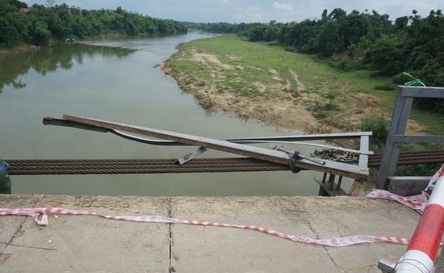 Lời kể ám ảnh của nhân chứng vụ ô tô lao xuống sông 5 người tử vong - 2