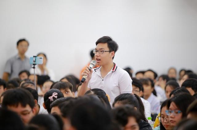 GS. Ngô Bảo Châu: Muốn học Toán giỏi cần nắm kĩ những bài Toán cơ bản - 3