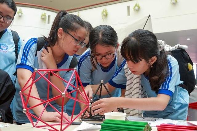 GS. Ngô Bảo Châu: Muốn học Toán giỏi cần nắm kĩ những bài Toán cơ bản - 7