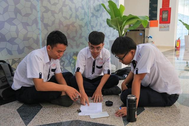 GS. Ngô Bảo Châu: Muốn học Toán giỏi cần nắm kĩ những bài Toán cơ bản - 8