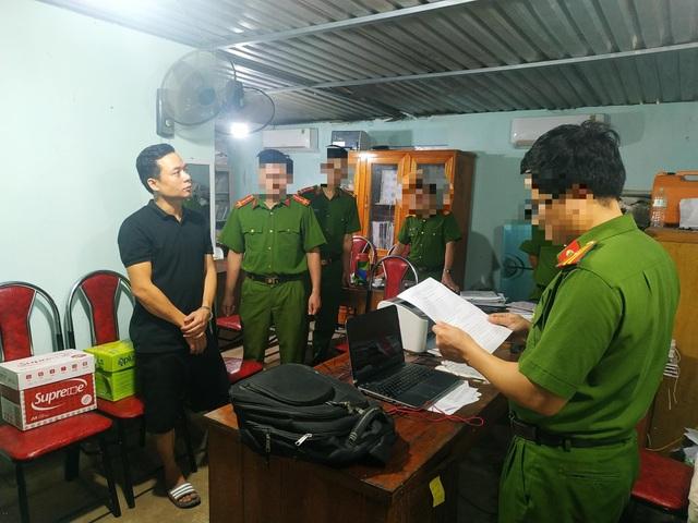 Bắt quả tang cán bộ địa chính nhận hối lộ ở Tuyên Quang - 1