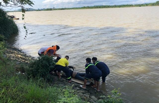 Phát hiện thi thể một phụ nữ trẻ trên sông Mã - 2
