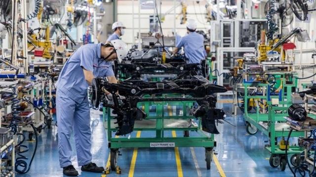 Vì sao giá ô tô tại Việt Nam cao gấp đôi Thái Lan? - 1