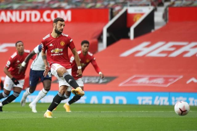 Những khoảnh khắc Man Utd bị Tottenham chà đạp tại Old Trafford - 4