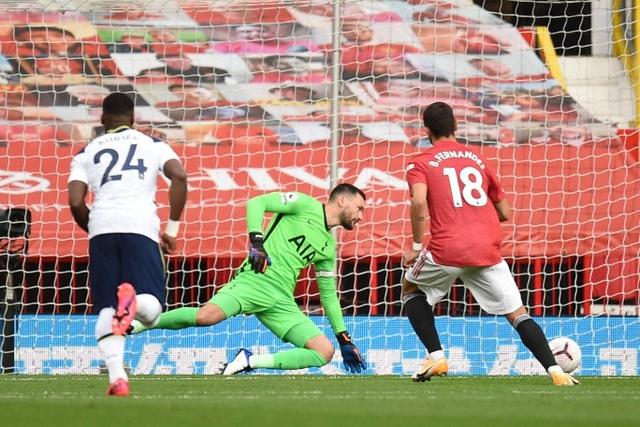 Những khoảnh khắc Man Utd bị Tottenham chà đạp tại Old Trafford - 5