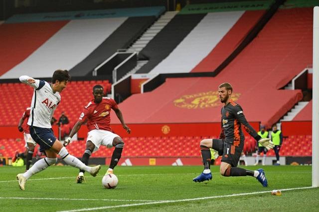 Những khoảnh khắc Man Utd bị Tottenham chà đạp tại Old Trafford - 13