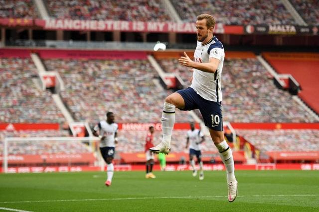 Những khoảnh khắc Man Utd bị Tottenham chà đạp tại Old Trafford - 12