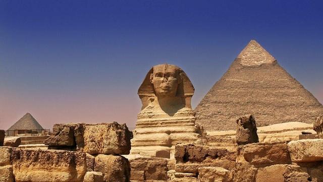 Bí ẩn kho báu trong đường hầm bí mật dưới tượng nhân sư Ai Cập - 1
