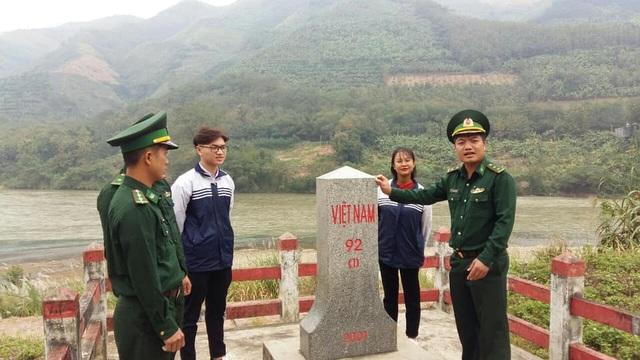 Lào Cai: Nam sinh được 5 trường đại học gửi giấy báo trúng tuyển - 2