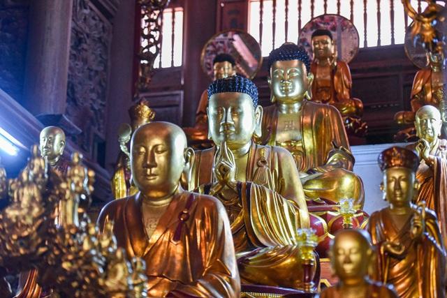 Kỳ lạ bức tượng Phật ngồi trên lưng vua độc nhất vô nhị ở Việt Nam - 6