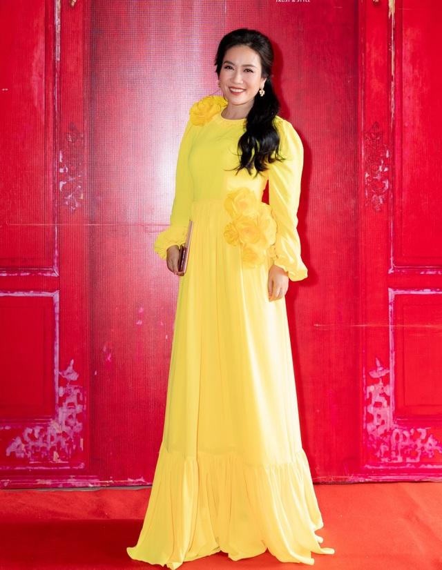 Hoa hậu Hà Kiều Anh đụng độ Hoa hậu Trần Tiểu Vy - 18
