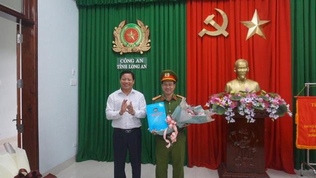 Khen thưởng ban chuyên án triệt phá vụ vận chuyển 16kg ma tuý - 2