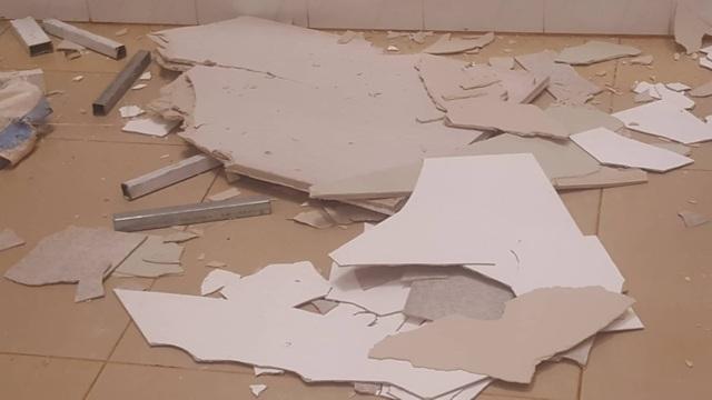 Một phần trần chống nắng của Bệnh viện nghìn tỷ Tây Nguyên bất ngờ bị sập - 5