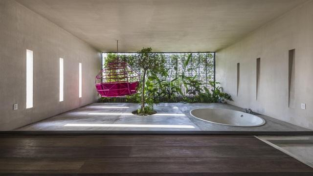 Khu vườn tuyệt đẹp ẩn trong nhà khiến chủ nhân muốn buồn cũng khó - 13
