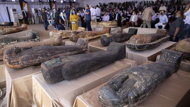 Phát hiện 59 quan tài cổ 2.600 năm tuổi ở Ai Cập - 1