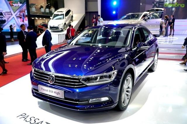 Đầu tháng 10 ô tô tiếp tục giảm giá mạnh - 1