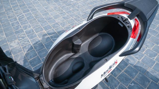 Piaggio Medley S 150: đối thủ xứng tầm trong phân khúc xe ga cao cấp - 4
