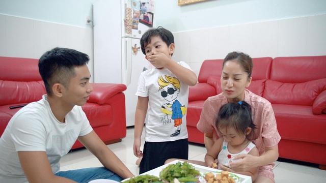 Phan Hiển lần đầu vào bếp lóng ngóng nấu cơm thay Khánh Thi - 5