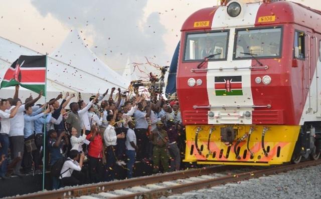 Vay Trung Quốc gần 5 tỷ USD làm đường sắt, Kenya lỗ đậm, xin giãn nợ - 1