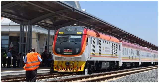 Vay Trung Quốc gần 5 tỷ USD làm đường sắt, Kenya lỗ đậm, xin giãn nợ - 3