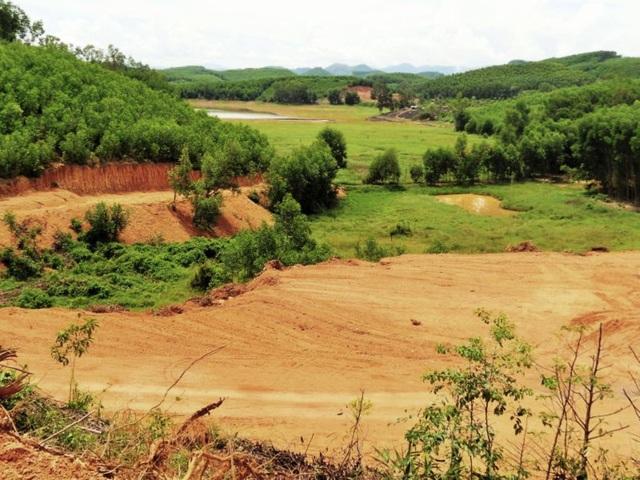 Bình Định: Tự ý san ủi, mở đường đe doạ hồ thủy lợi, người dân hoang mang - 3