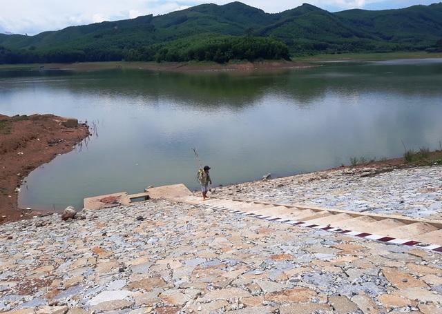 Bình Định: Tự ý san ủi, mở đường đe doạ hồ thủy lợi, người dân hoang mang - 5
