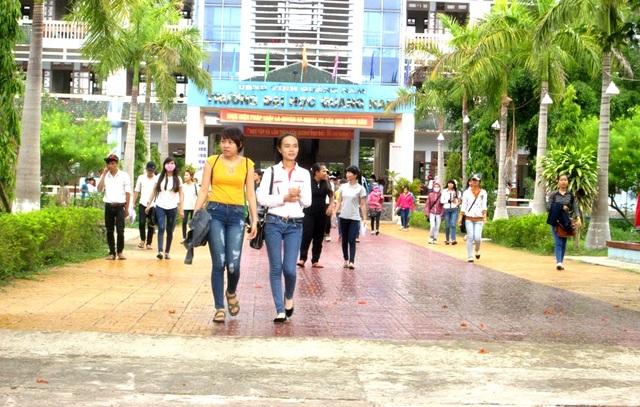 Trường Đại học Quảng Nam công bố điểm chuẩn các ngành đại học hệ chính quy - 1