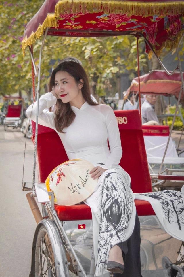 Bộ ảnh của hai thí sinh Hoa hậu Việt Nam là tiếp viên hàng không - 2