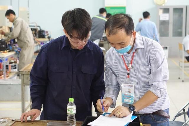Kỳ thi kỹ năng nghề Quốc gia: Thợ nghề trẻ quyết liệt so tài - 12