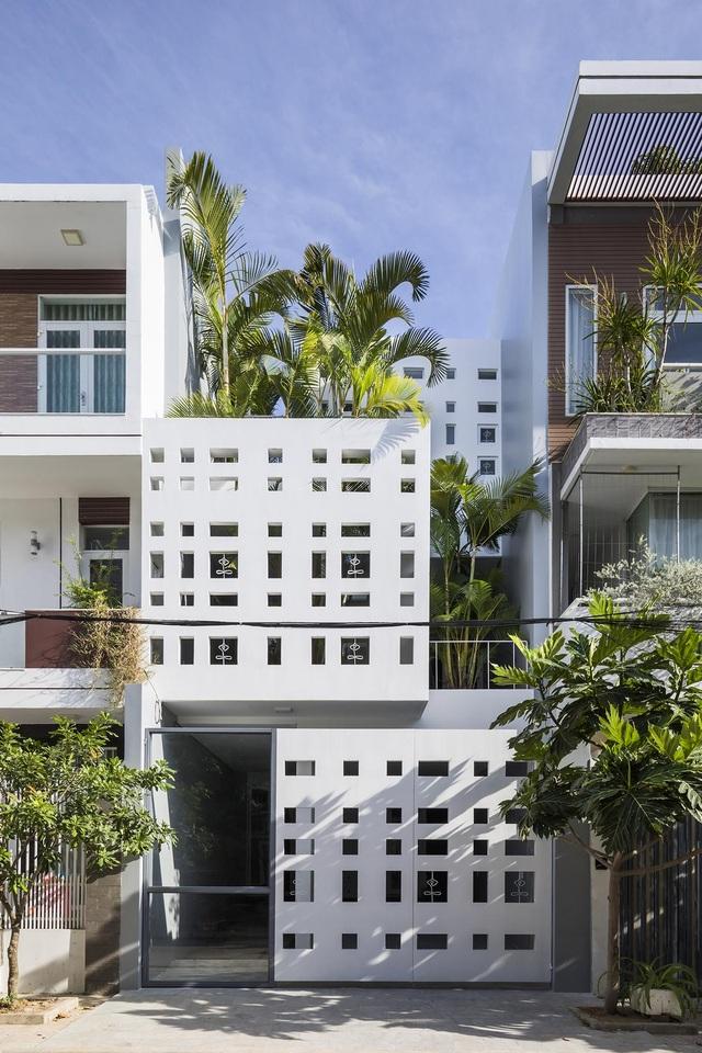 Ngôi nhà có 300 cửa sổ, gia chủ mỗi tháng chỉ tốn 200.000 đồng tiền điện - 1