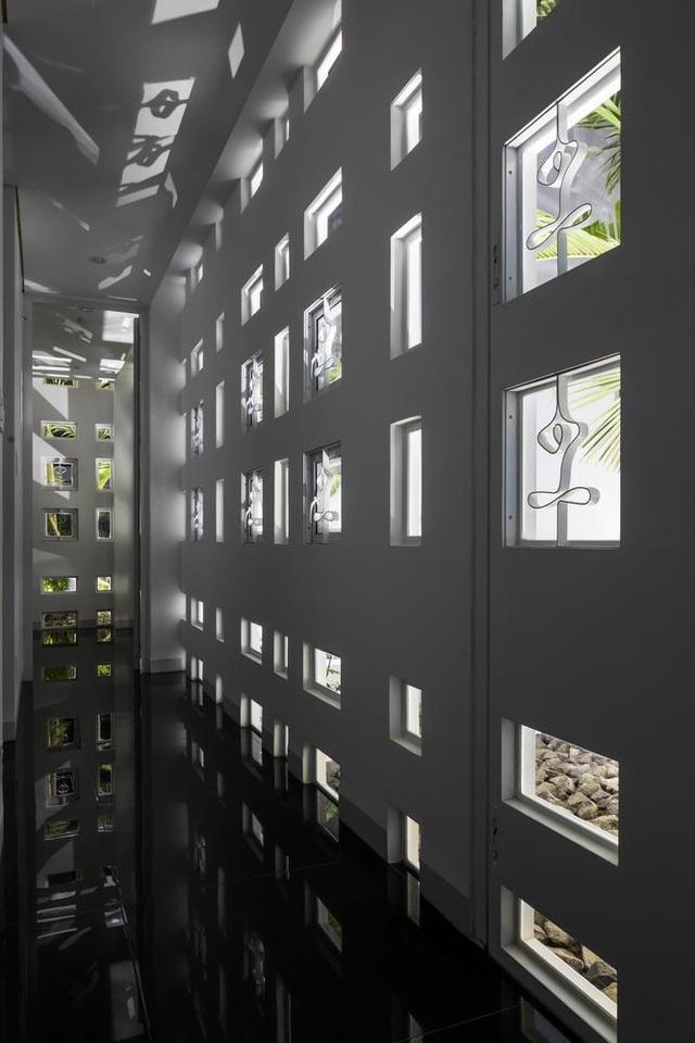 Ngôi nhà có 300 cửa sổ, gia chủ mỗi tháng chỉ tốn 200.000 đồng tiền điện - 4