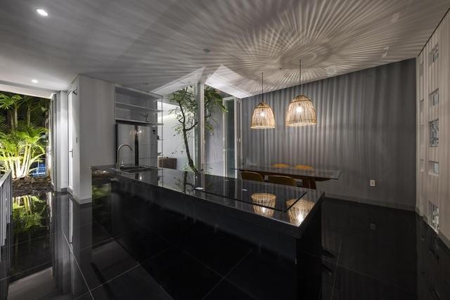 Ngôi nhà có 300 cửa sổ, gia chủ mỗi tháng chỉ tốn 200.000 đồng tiền điện - 6