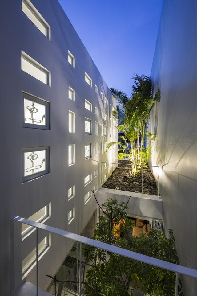 Ngôi nhà có 300 cửa sổ, gia chủ mỗi tháng chỉ tốn 200.000 đồng tiền điện - 9